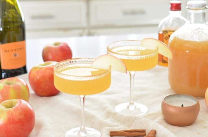Fall Flavored Apple Cinnamon Cocktail